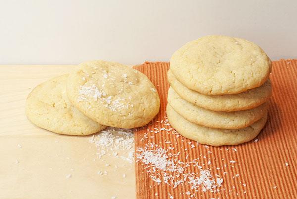Cookies mit weißer Schokolade und Kokos
