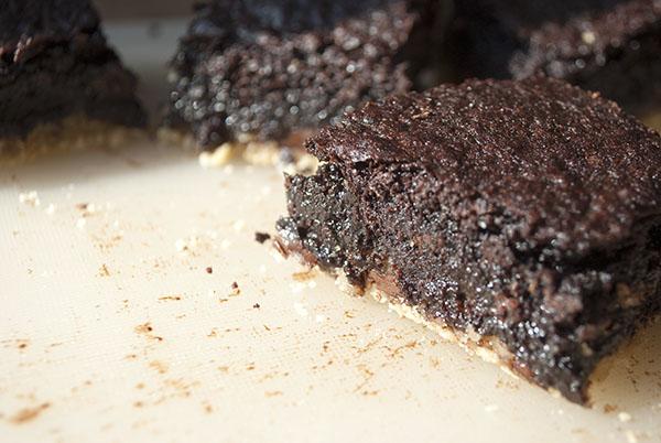 Slutty Brownies: Die ultimative Vereinigung aus Chocolate Chip Cookies, Oreos und Brownies, nachher
