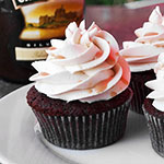 Schoko-Baileys-Cupcakes mit Baileys-Frosting