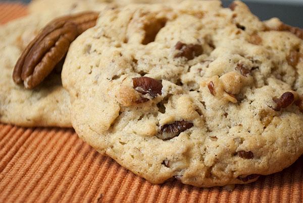 Nussige Toffee-Pecan-Cookies