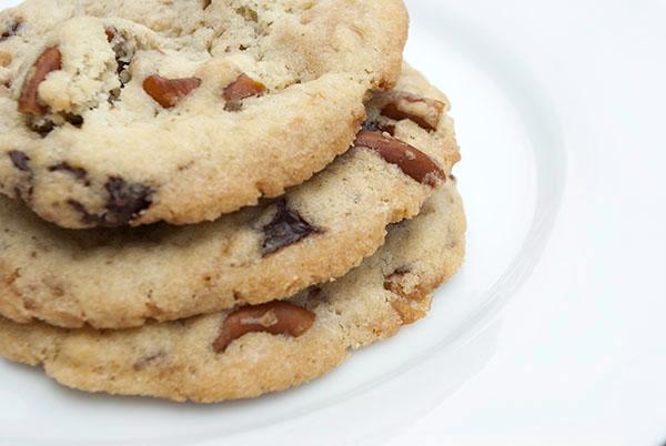 Schoko-Brezel-Karamell-Cookies