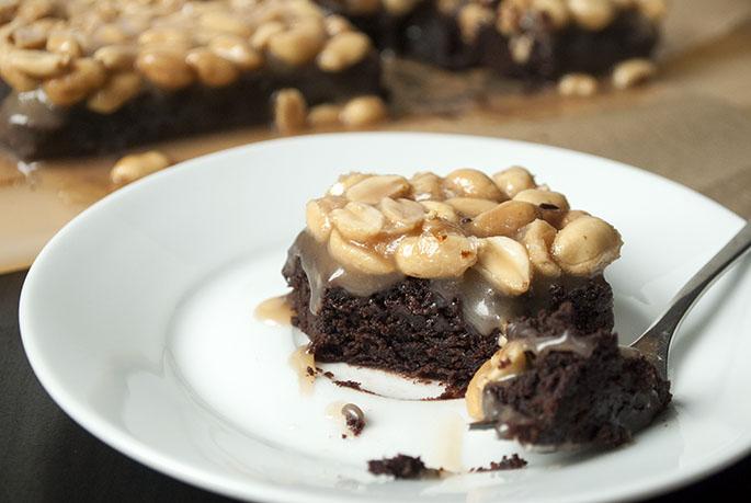 Brownies mit Karamell und gesalzenen Erdnüssen
