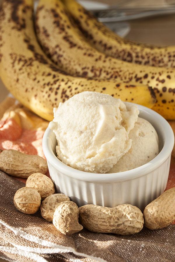 Bananen-Erdnussbutter-Eis