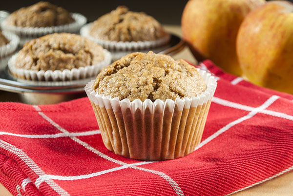 Vollkorn-Apfel-Muffins mit Haferflocken