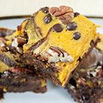 Kürbis-Brownies mit Pecankernen