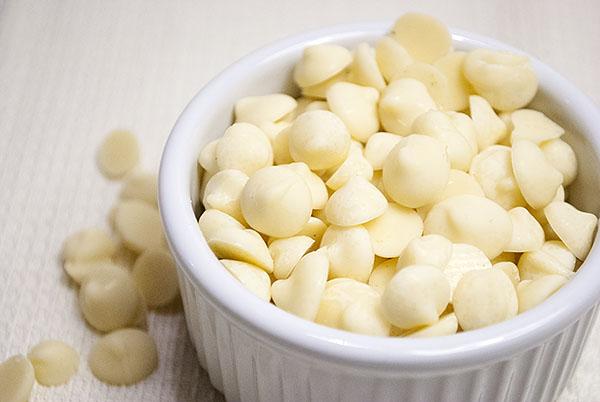 Selbstgemachte weiße Chocolate Chips