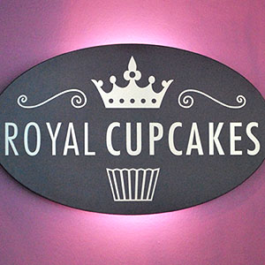 das royal cupcakes in k ln kaffee cupcakes. Black Bedroom Furniture Sets. Home Design Ideas
