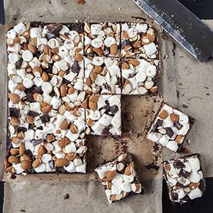 marshmallow-mandel-brownies-thumbnail