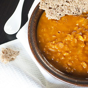 Vegane Linsen-Kokos-Suppe