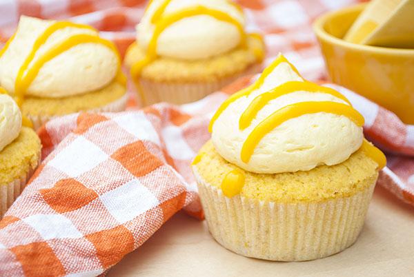 Mango-Cupcakes mit Mango-Buttercreme