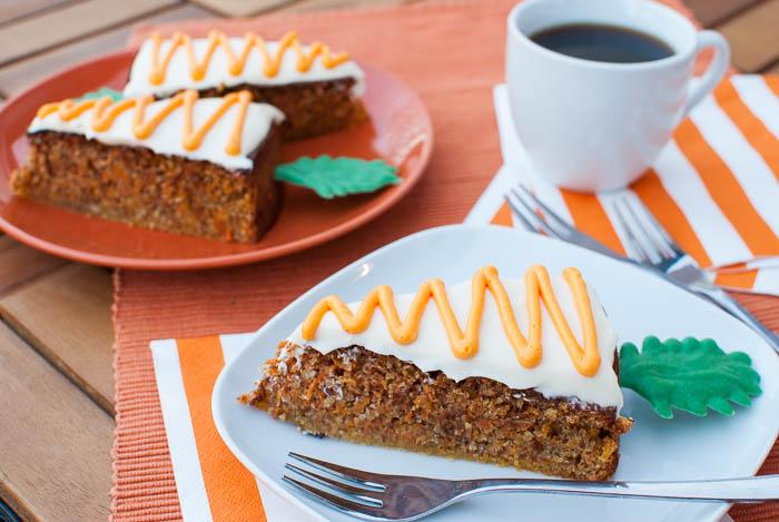 Glutenfreie Rüblitorte im Karotten-Format