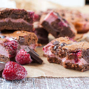 Rosa Himbeer-Brownies