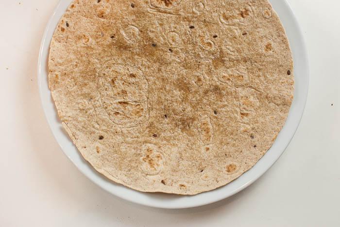 Vegetarische Frühstücks-Quesadillas mit Ei