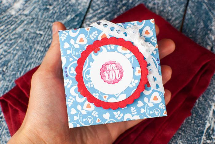 Bastelvorlage für eine süße kleine Schachtel zum Verschenken von Brownies