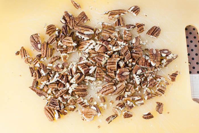 Kürbis-Knuspermüsli mit Pecankernen und herbstlichen Gewürzen