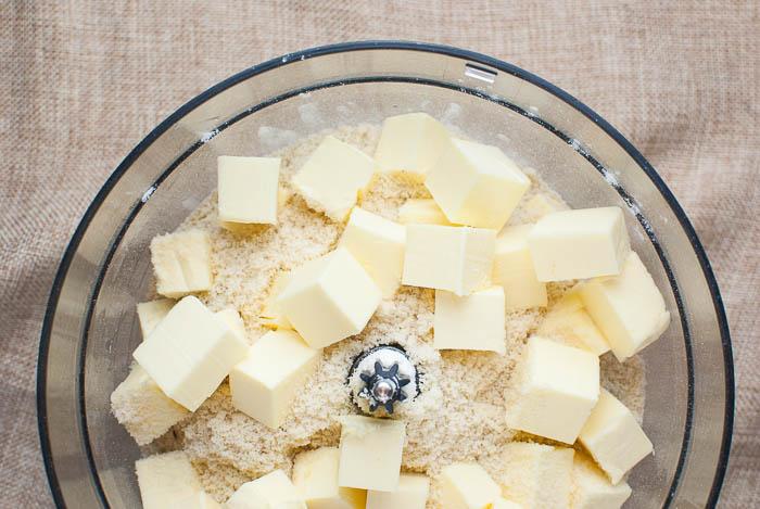 Zart-mürbe Vanillekipferl mit Mandeln (ohne Ei)