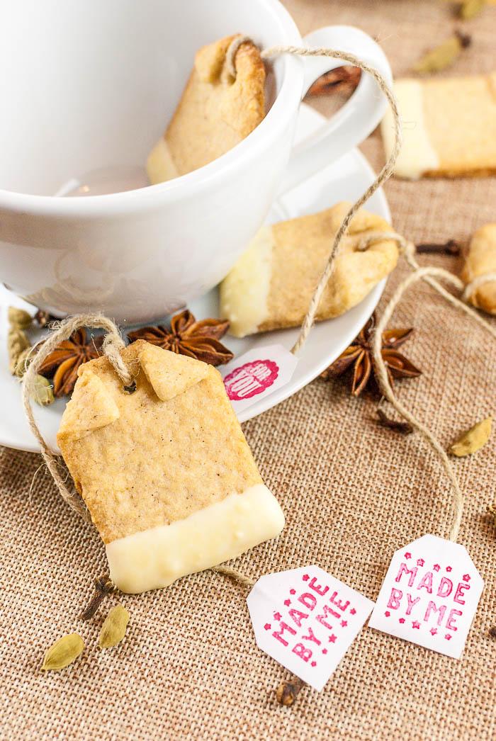 Chai-Mandel-Teebeutel mit weißer Schokolade