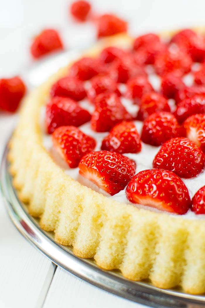 Schnelle Erdbeer-Torte mit geschlagener Kokos-Creme {vegan}