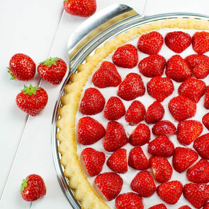 Schnelle Erdbeer-Torte mit geschlagener Kokos-Creme