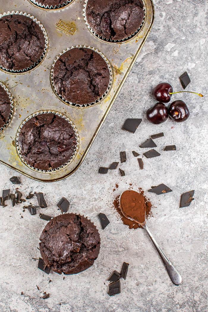 Vegane Double Chocolate Cherry Muffins