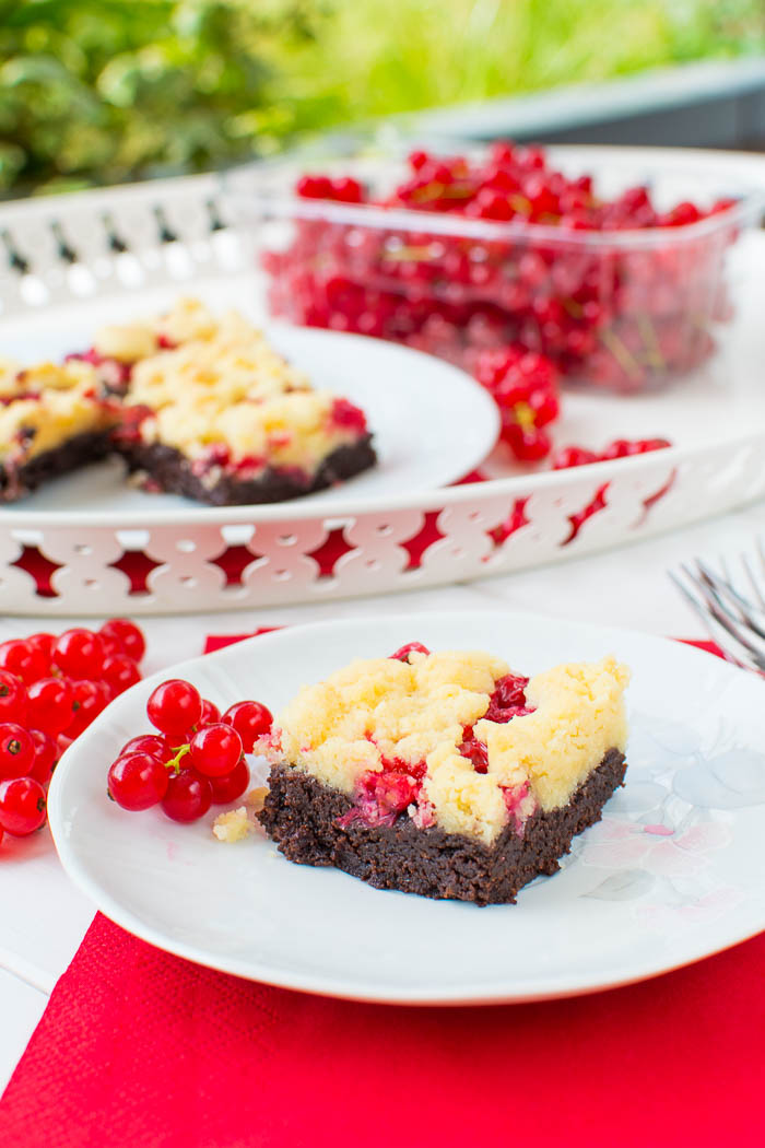 Vegane Johannisbeer Streusel Brownies Kaffee Cupcakes