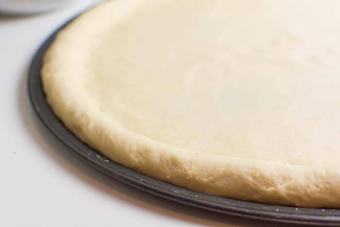 Perfekter Pizzateig ohne Öl {vegan, HCLF}
