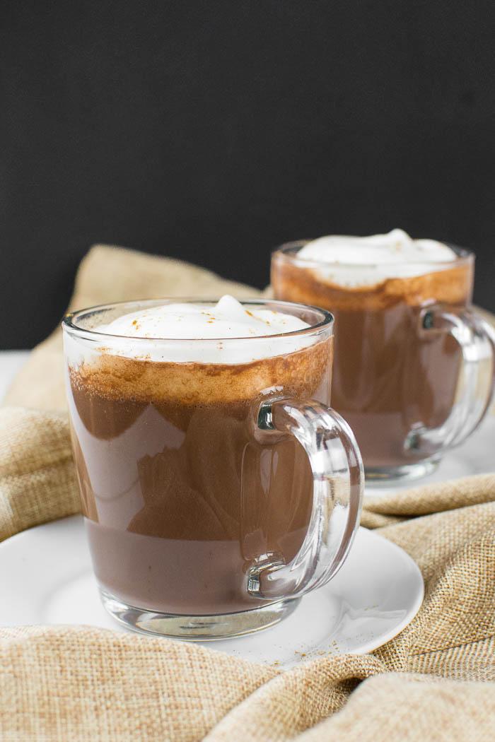 Super cremige vegane heiße Schokolade (Kakao)