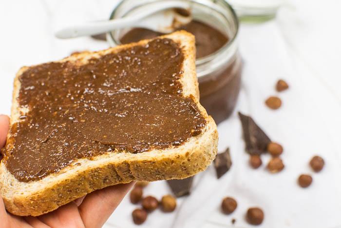 Veganes Nutella aus nur 4 Zutaten