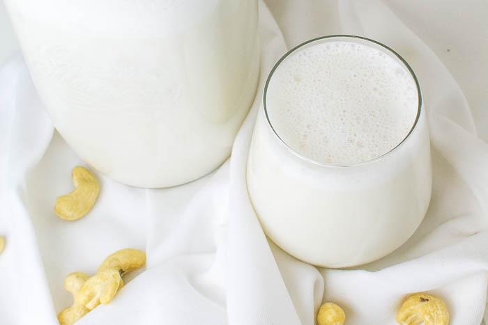 Einfache selbstgemachte Cashewmilch {vegan}