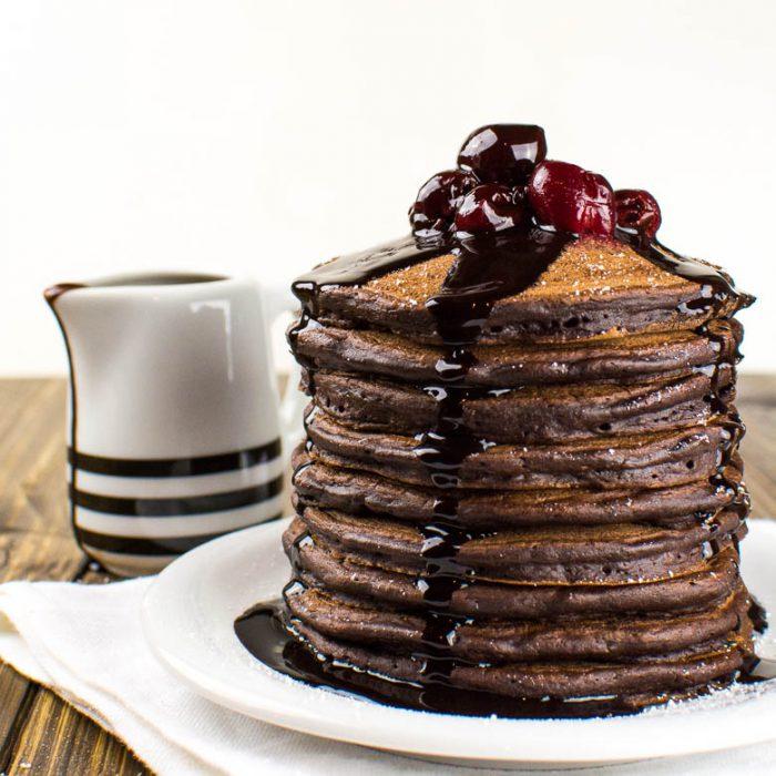 Die perfekten Schoko-Pancakes: super fluffig und vegan!