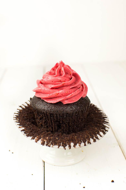 Vegane Schoko-Himbeer-Cupcakes