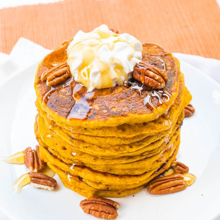 Super dicke, saftige Kürbis-Pancakes