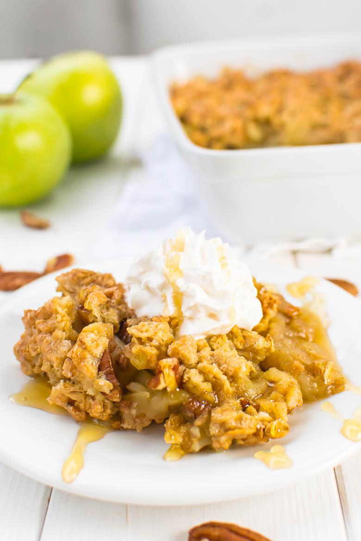 Apple Crumble mit Pecankernen und Haferflocken (vegan)
