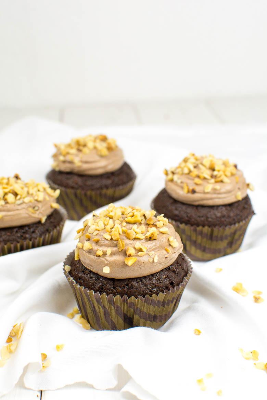 Vegane Schoko-Haselnuss-Cupcakes