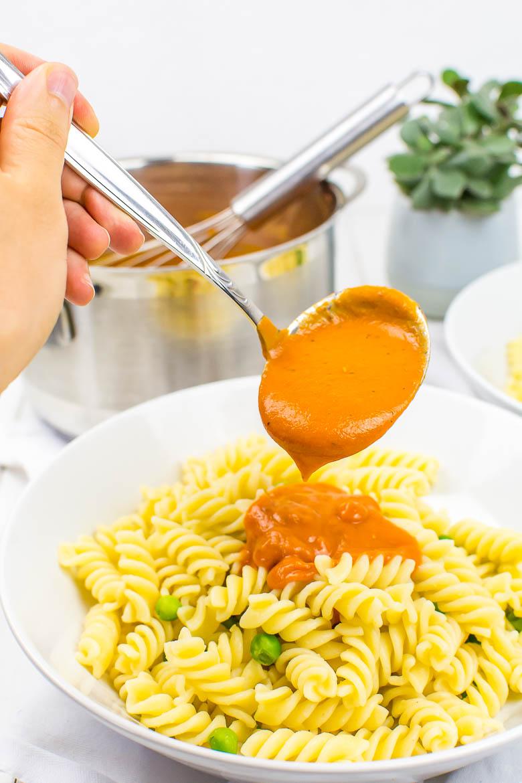 Meine Lieblings-Tomatensauce wie von Mama (einfach, schnell, vegan)