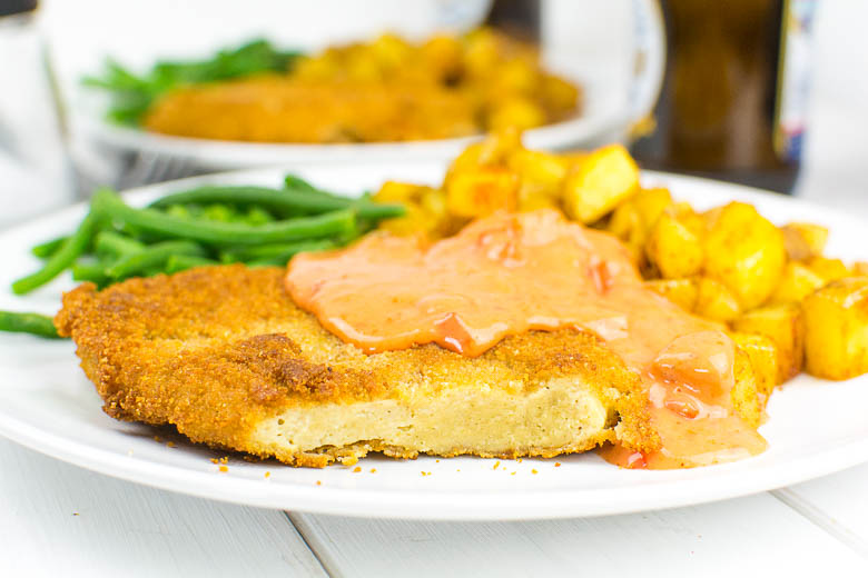 Zartes Seitan-Schnitzel in knuspriger Panade (vegan)