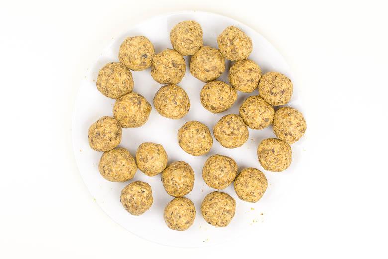 Vegane Bratlinge aus Linsen und Champignons (für Burger, Frikadellen oder Bällchen)